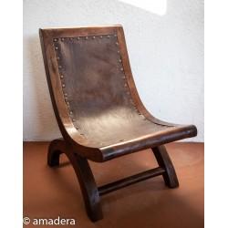 Fauteuil de salon en cuir et bois