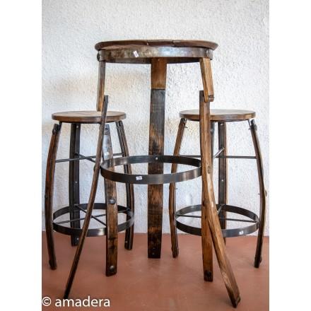 Table haute et tabourets de bar
