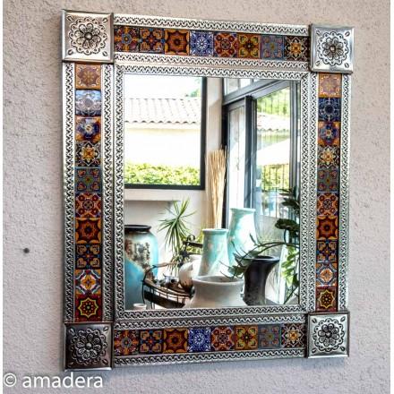 Grand miroir en métal