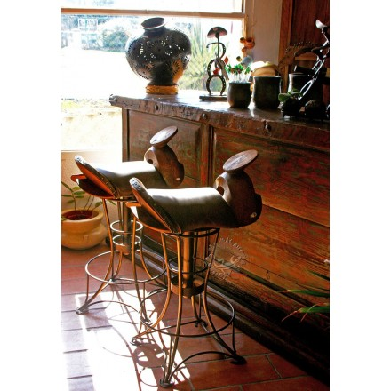 Chaise haute de bar pivotante