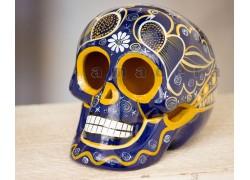 têtes de mort en céramique
