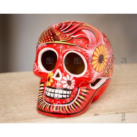 Tête de mort en céramique décorée