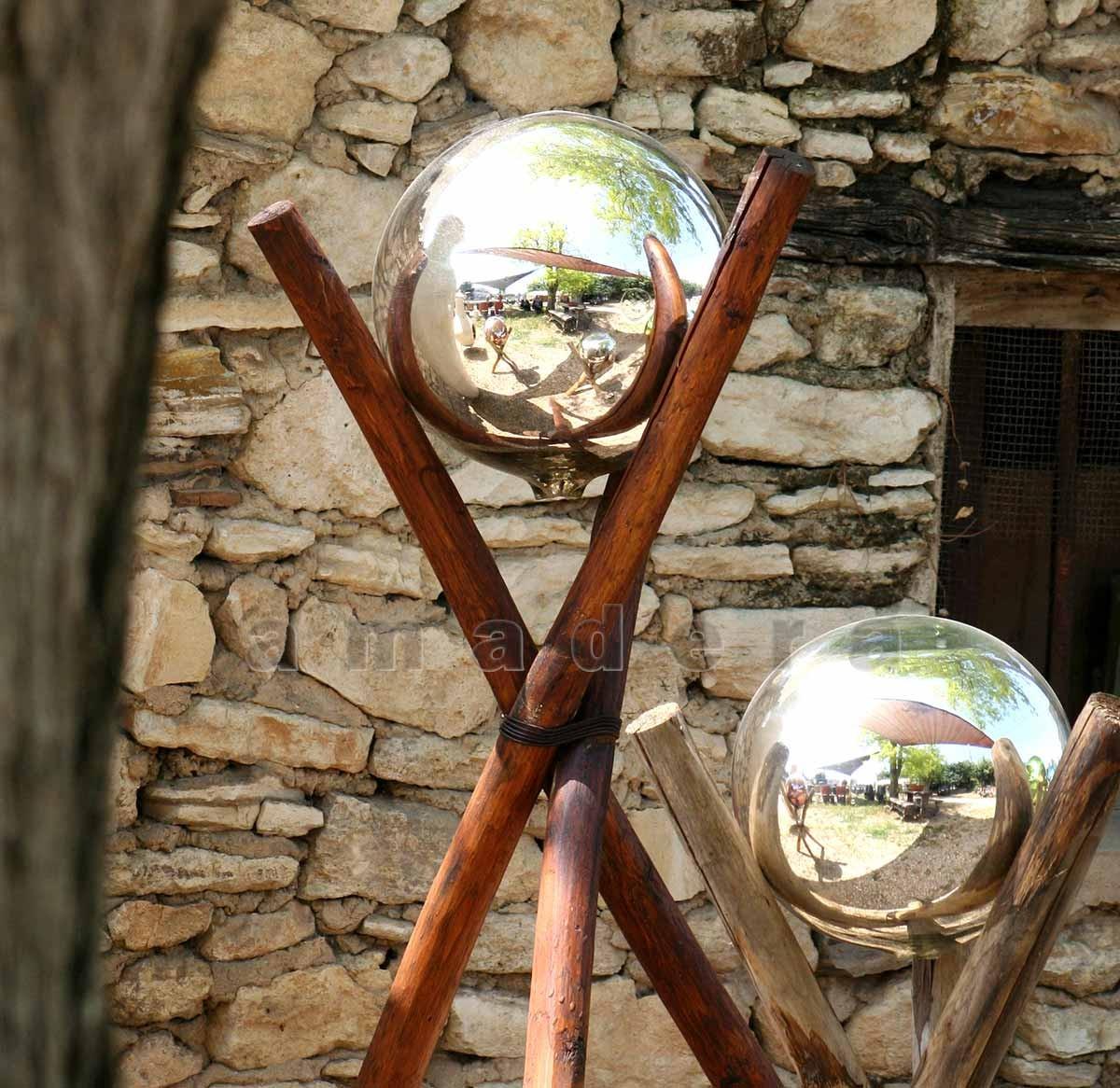Grosses boules en verre souffl pour d corer votre jardin for Decoration d exterieur