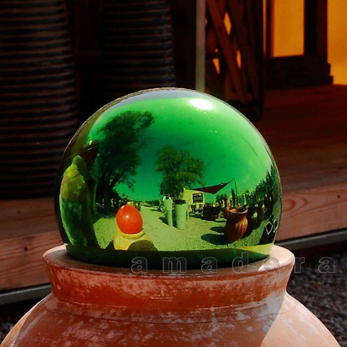 Boules pour une d coration moderne dans votre maison ou en - Boule deco exterieur ...