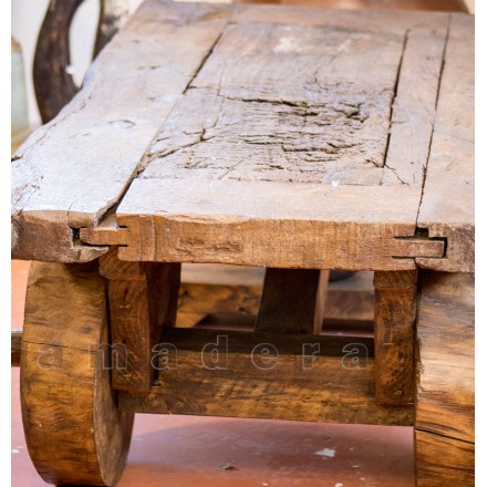 Table basse en pin ancien