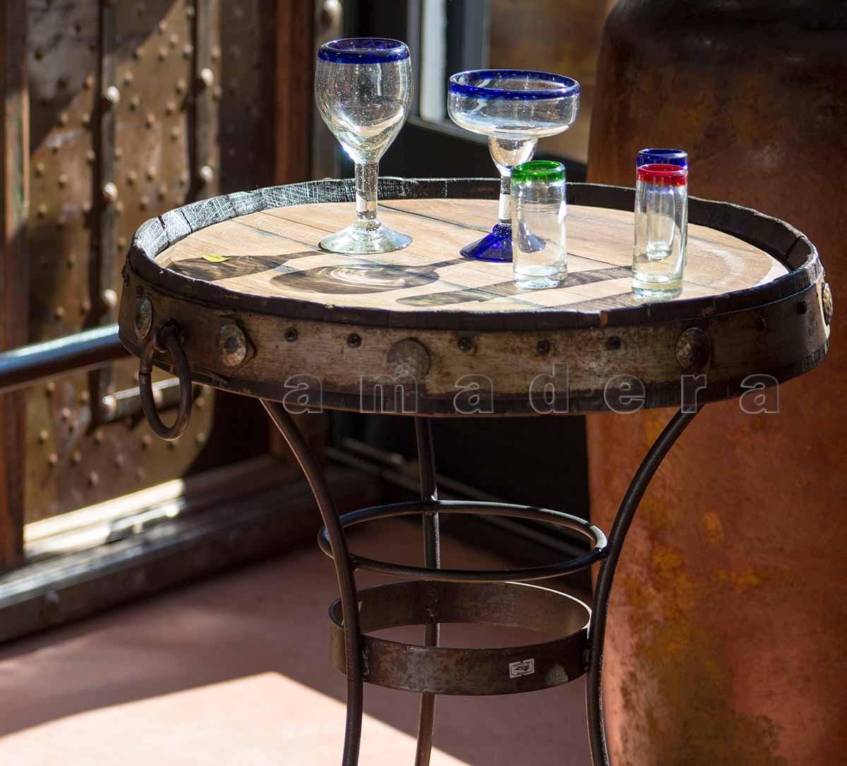 Table de bistrot en bois et fer forg un style industriel et actuel - Table en fer forge et bois ...