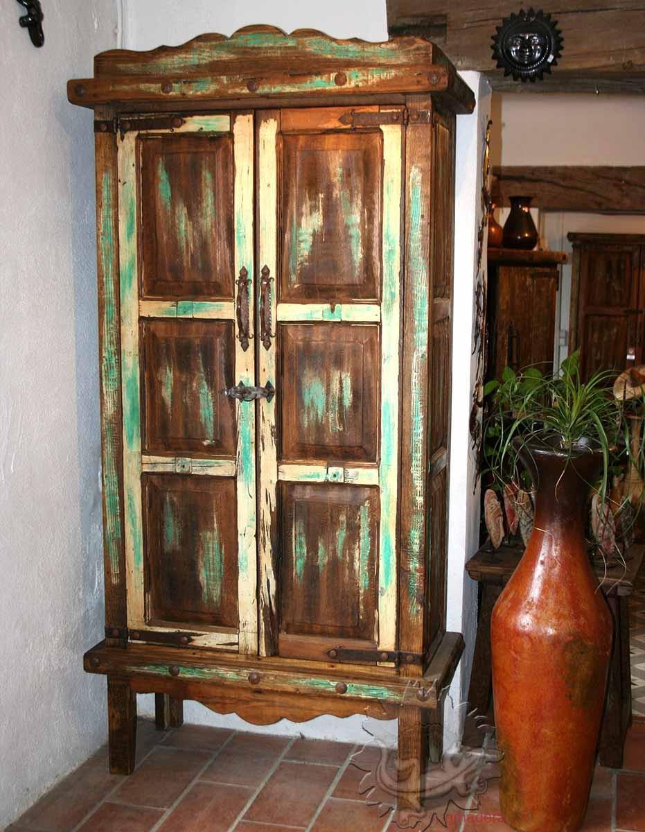 mobilier mexicain armoire en pin authentique meuble de. Black Bedroom Furniture Sets. Home Design Ideas