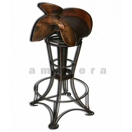 chaise haute de bar en cuir et fer forg chaise pivotante originale. Black Bedroom Furniture Sets. Home Design Ideas