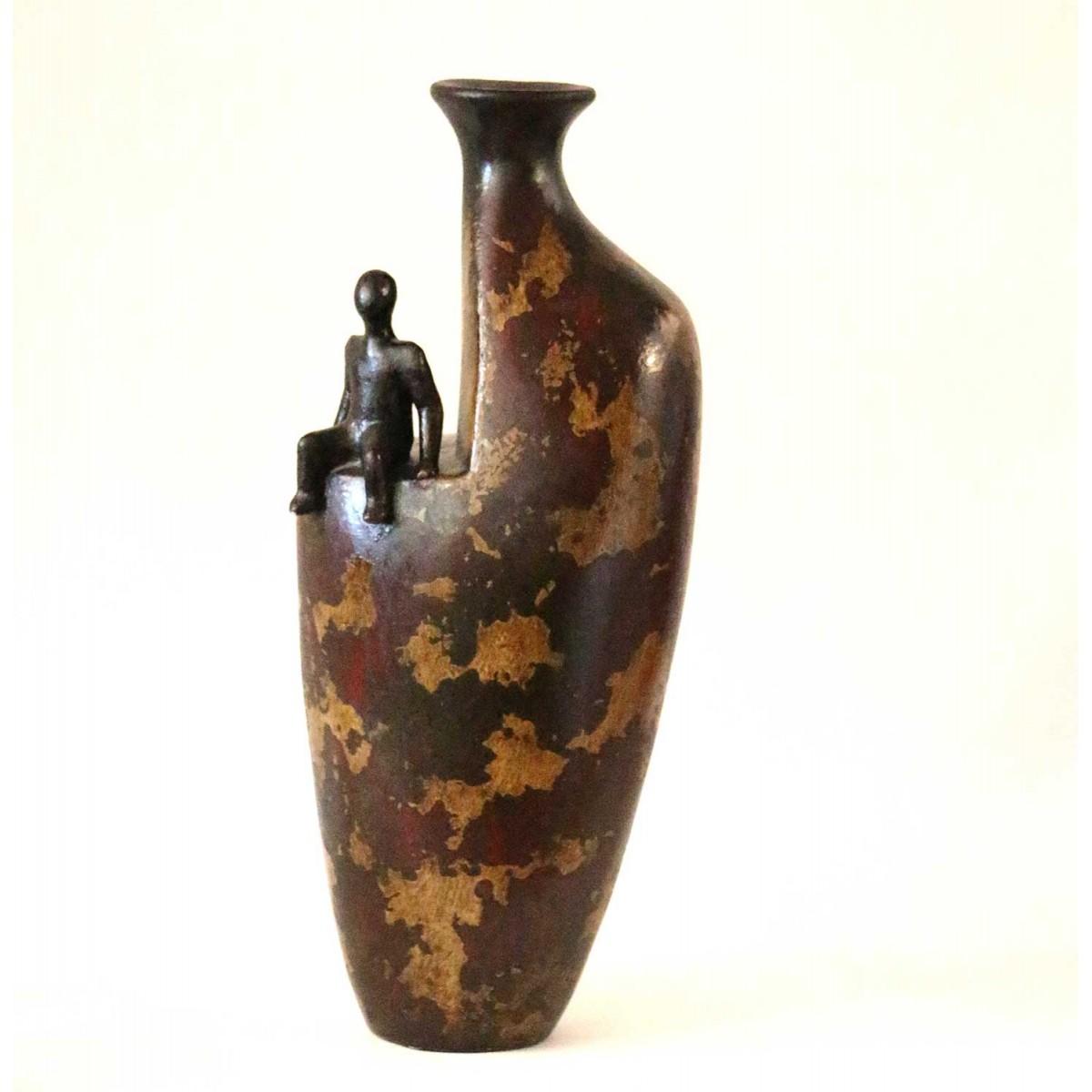 Vase décoratif en terre cuite