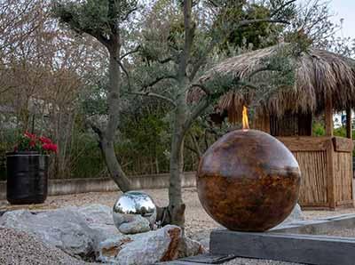 Des lampes d'ambiance à l'éthanol pour votre décoration extérieure