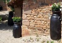 Grande jarre en terre cuite pour une décoration extérieure de charme